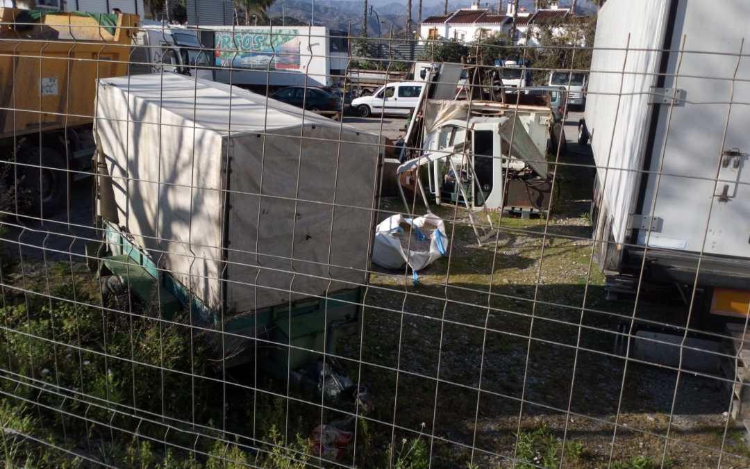 Izquierda Unida Podemos denuncia la pasividad del gobierno municipal respecto al aparcamiento de camiones