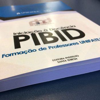 Professores lançam livro sobre PIBID