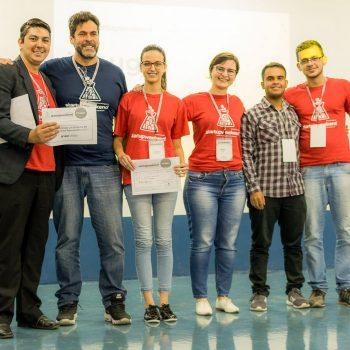 Alunas do curso de Design recebem prêmio de 1º lugar da Startup Weekend
