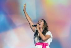 神アメリカ希望前進大会でスペルシンガーのジョアン・ロザリオ氏が熱唱|世界平和統一家庭連合News Online
