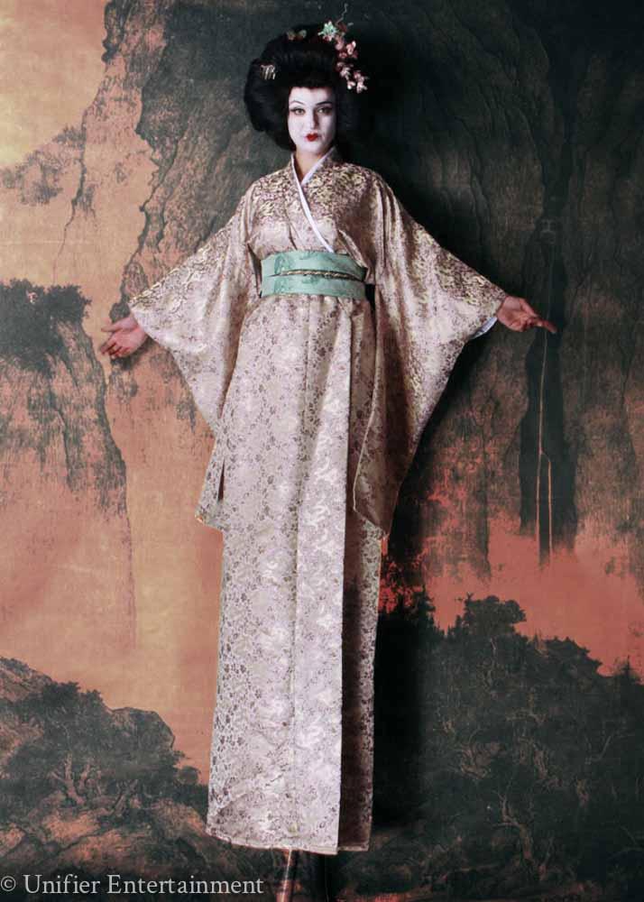 Geisha Stilt Walker