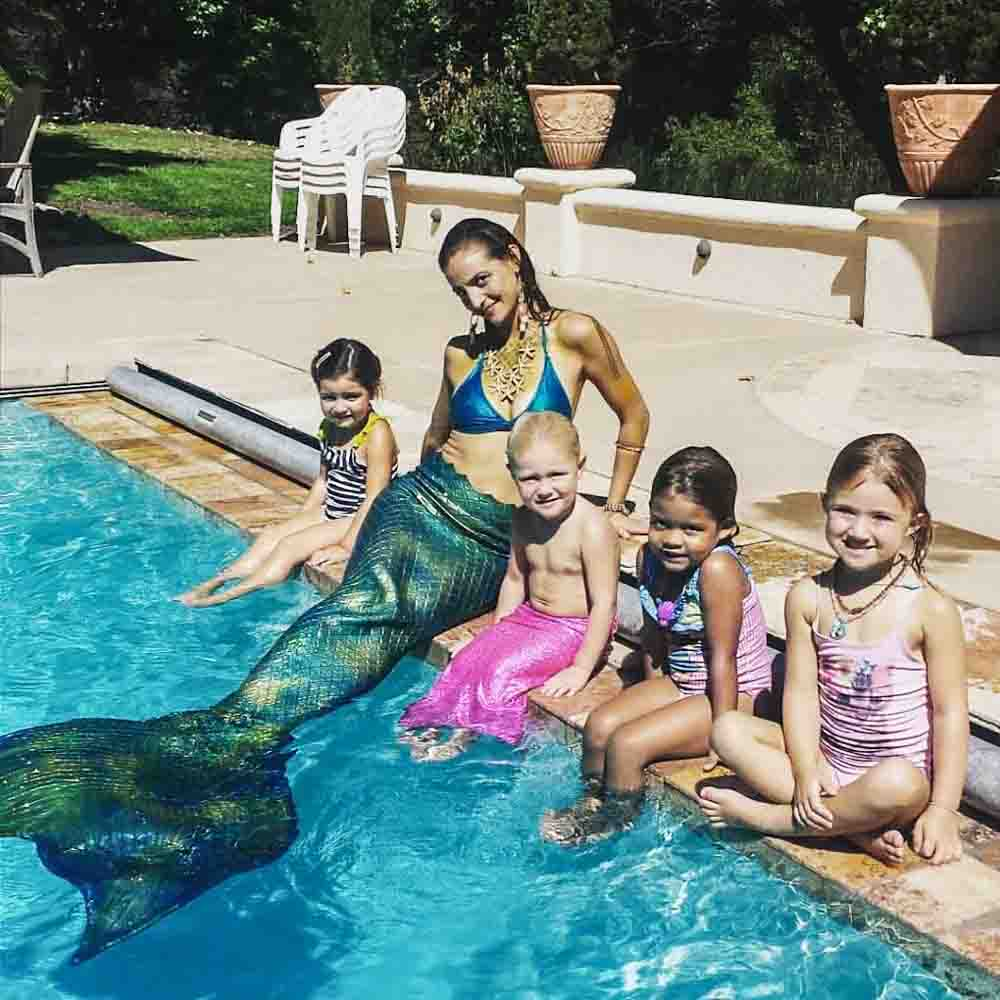 Mermaid-Pool-Party