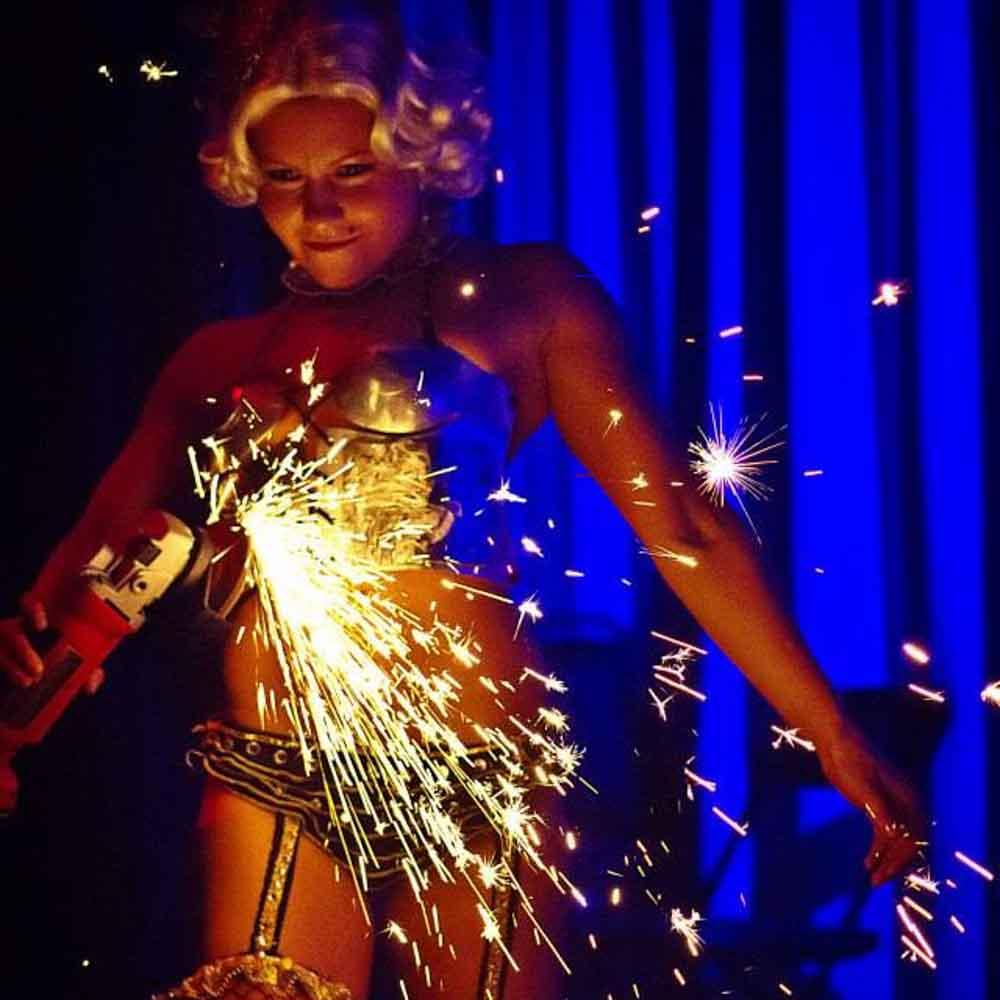Sparks-Grinder-Gal-San-Diego