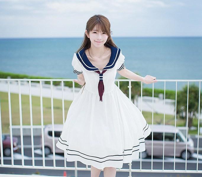 韓國 박선혜  的白色水手服洋裝作品
