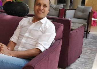 Uniform-Sarees-CEO-Founder-Vikram-Gandhi