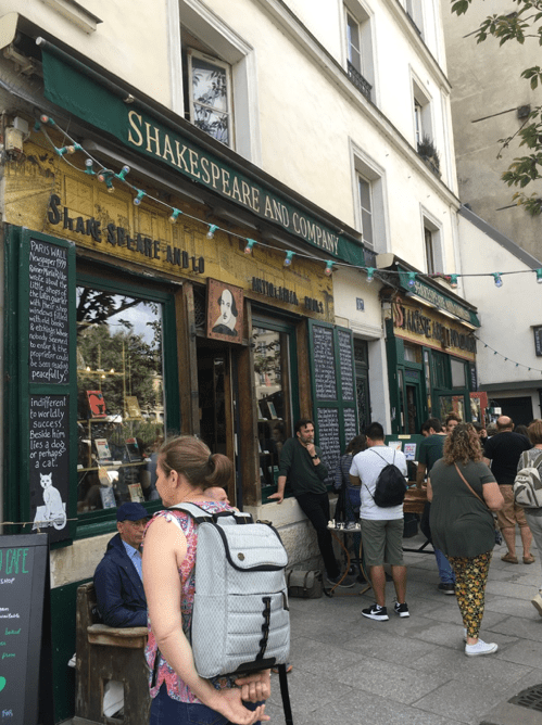 Shakespeare and company.png