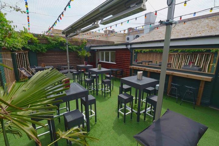 MEsmerist brighton outdoor restaurant