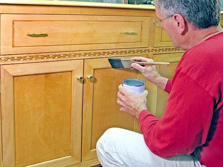 Como restaurar nuestro mueble de madera  uniher