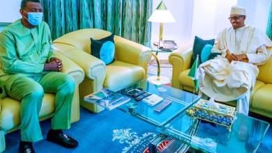 Enoch Adeboye In A Closed Door Meeting With Buhari & Osibanjo