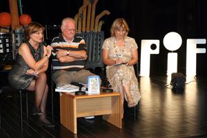 PIF44-2011-IMG_1-5611-predstavljanje-knjige-M-Cecuka-Omedeto-Livija-Kroflin-Zvonko-Festini-Foto-Ivan-Spoljarec-w