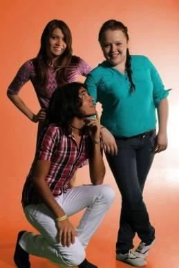 ANDREA FERNÁNDEZ, ESTEFANIA ARECHIGA, EDSON ANGUIANO FONDO 2