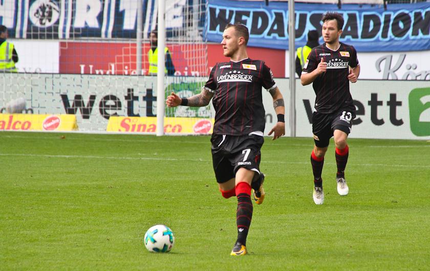 A rare sight: Hartel and Kurzweg on their way forward