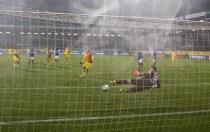 Sebastian Polter converts the penalty