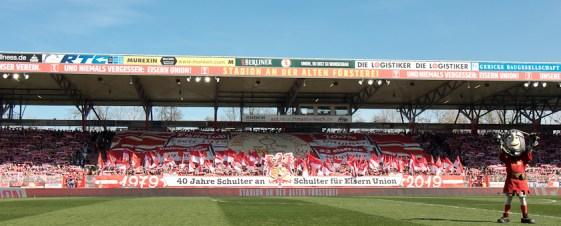 Pre-match fan display