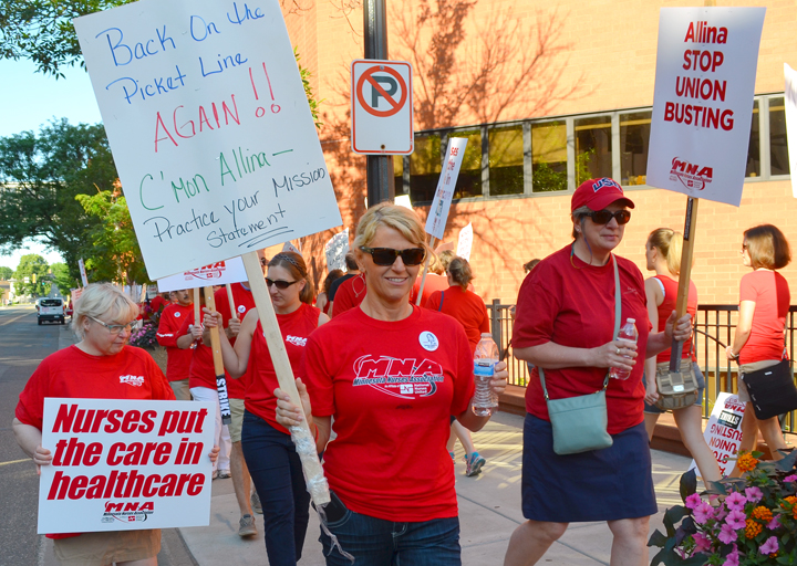 Photos Picket lines go up as 5000 Allina nurses begin strike  Union Advocate