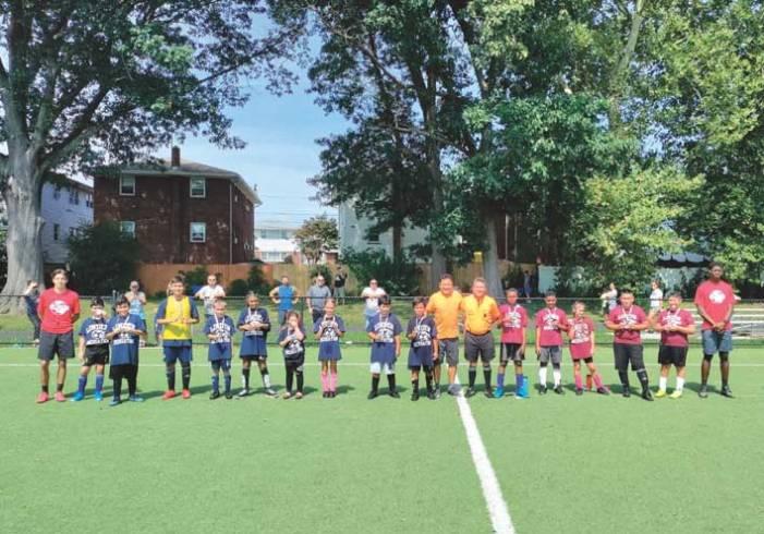 Linden Recreation presents summer soccer awards