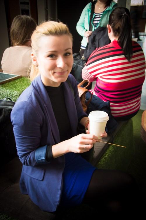 Pri ceste na hodinu sa mnohí z nás zastavia na tzv. coffee to go (Foto: Janka Grušková)