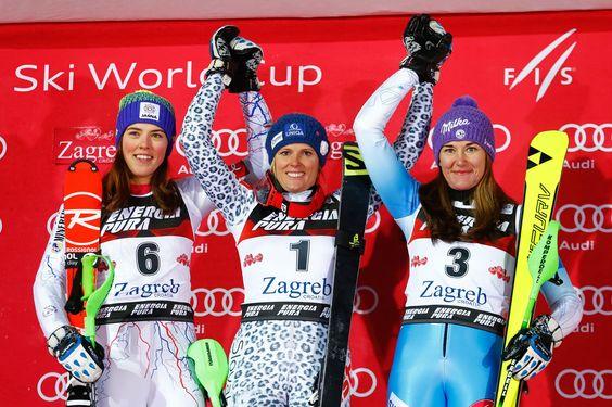 Kiežby sa nám takýto pohľad naskytol aj na blížiacej sa olympiáde v Pjongčangu. Velez-Zuzulová a Vlhová spolu sa stupni víťazov. (Foto: pinterest.com)