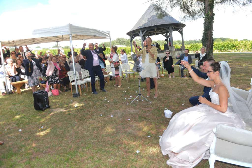 Professional Wedding Celebrant in France
