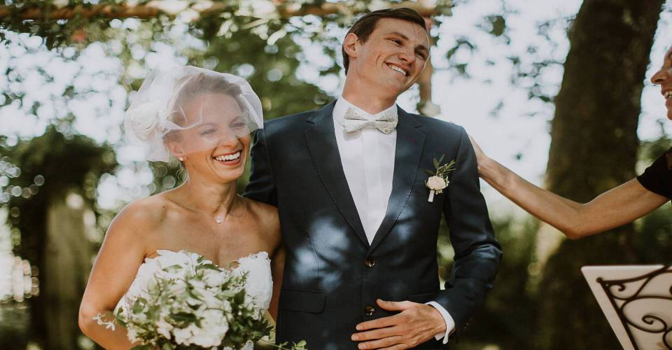 How to choose the perfect wedding celebrant in France