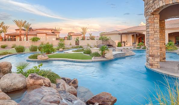 Unique Pool Designs for Large Backyards