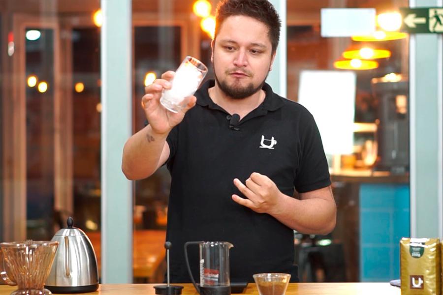 como fazer iced coffee em casa