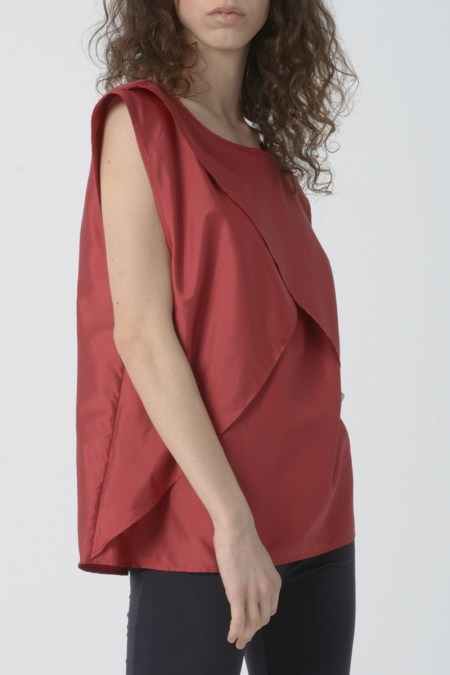 Blusa mujer roja sin mangas
