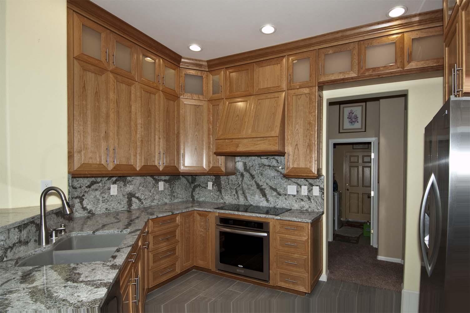 Cherry Wood Kitchen | Unique Design Cabinet Co