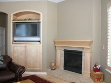 Maple Mantel-TV-Insert