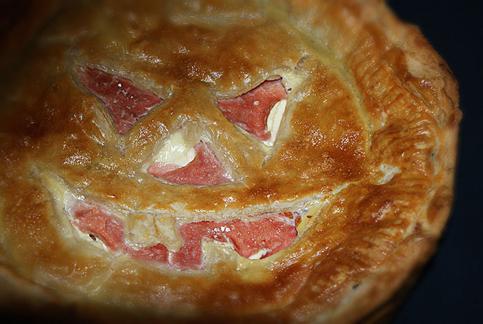 Halloween ham and egg pie detail 2