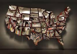USAの形をした本棚