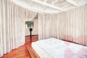 ロマンティックなベッドルーム