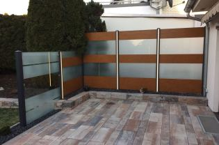 Privacy fence with acrylic and wood imitation and LED lighting 2