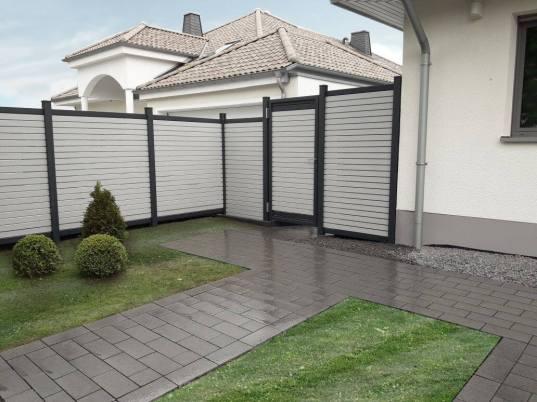 fence rhombus white with door