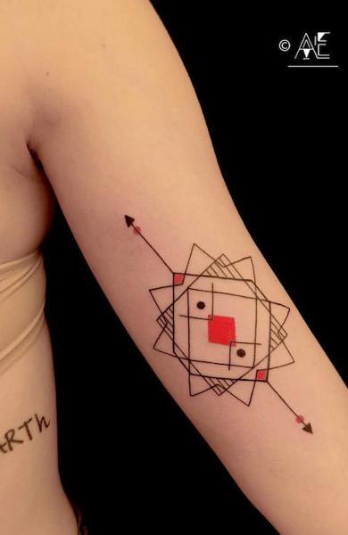 Pilih Tato Melingkar Pada Bisep Itu Tattoo Gelang Pada Bisep Nilai Dan Pilihan
