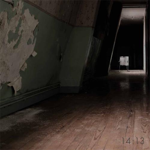 Pochette du vinyle de 14 : 13 aussi sombre que l'album.