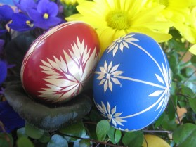 Red and blue easter eggs.
