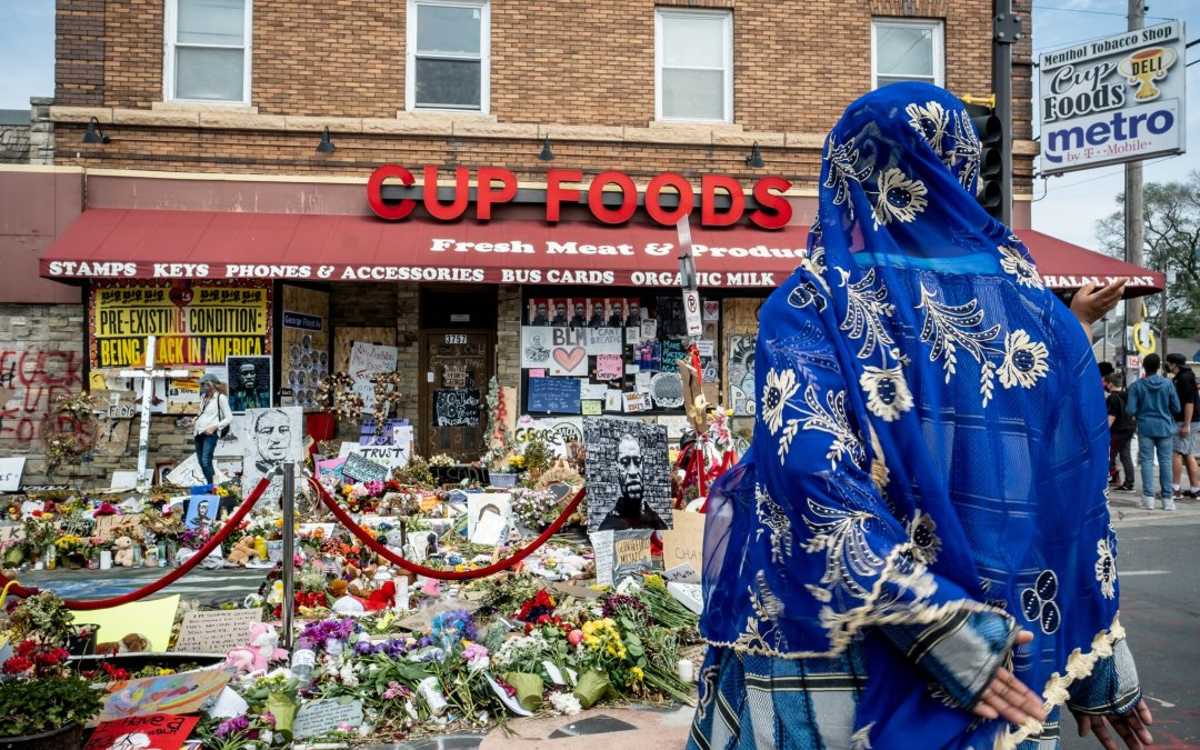 Minneapolis Neighborhood Where George Floyd Died Now A 'No-Go' Zone For Police, Solemn by Day, Violent by Night