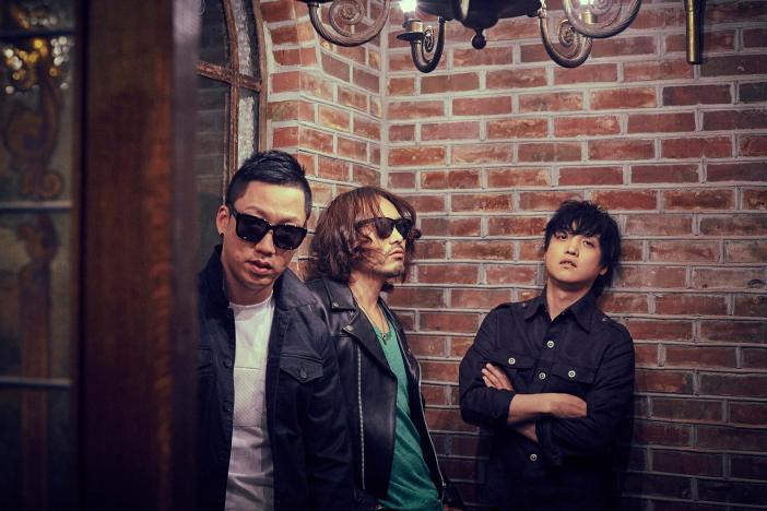 L-R: Drummer Heekwon Kim; Bass player & vocalist Juhyun Lee; Lead vocalist & guitarist Jonghyun Park