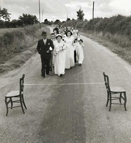 Le ruban de la mariée, 1951 © Robert Doisneau