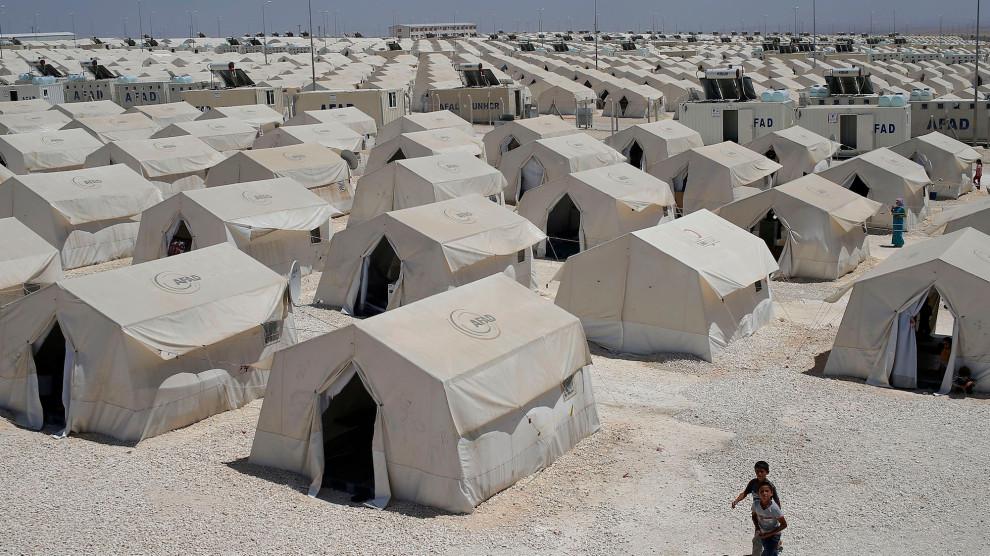 180417_turkey-refugee-camp.jpg