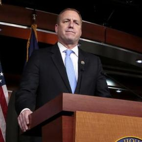 Immigration fight gets lonely for some in GOP