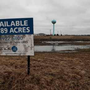 Illinois village approves immigration detention center plan