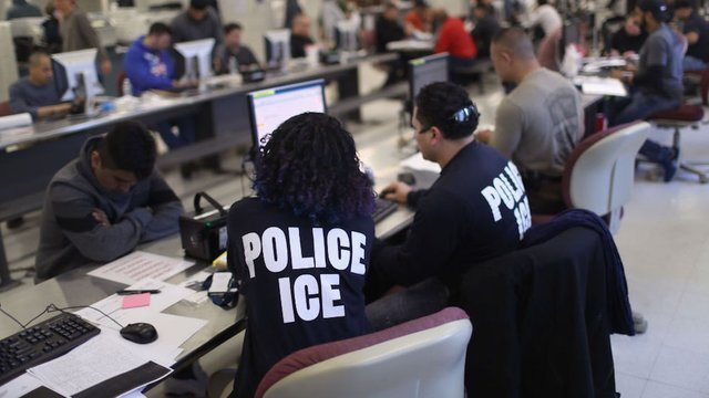 ice_immigration_4_0