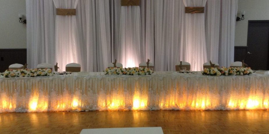7-Head-Table-and-stage