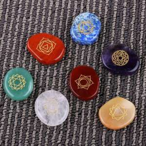 7 Pierres de Chakra de Guérison Reiki - L'univers-karma