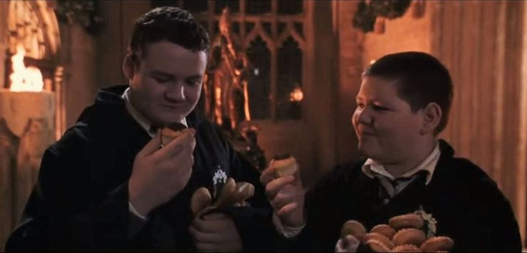 behind the scene of Crabbe and Goyle eating cupcakes