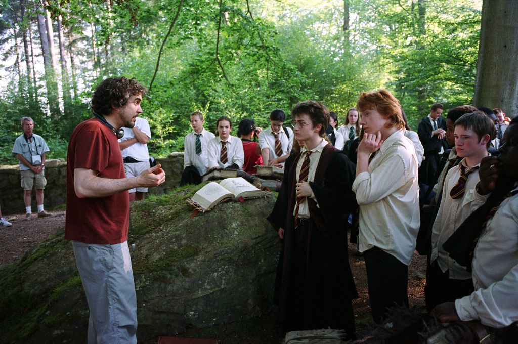 behind the scenes of prisoner of azkaban  - alfonso cuaron directing care of magical creatures class
