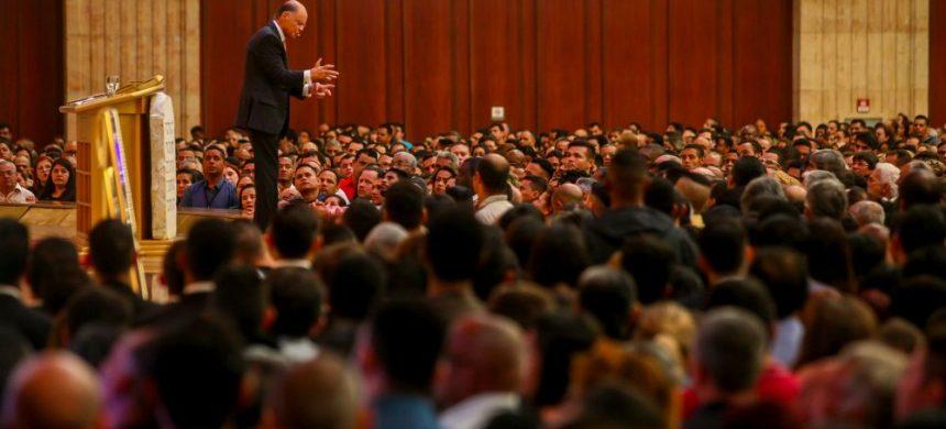 El obispo Macedo le enseña cómo combatir la duda