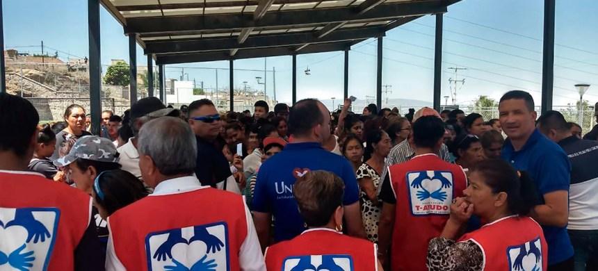 Las más de 500 personas mostraron su alegría y agradecimiento por la ayuda otorgada en San Pedro Tlaquepaque